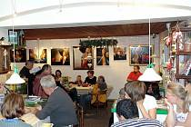 Výstqavy v Art galerii Pension U Řeky v Karlovicích. Ilustrační foto.