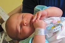 Jmenuji se DOMINIK ONDRAŠÍK, narodil jsem se 2. září, při narození jsem vážil 4200 gramů a měřil 53 centimetrů. Moje maminka se jmenuje Kristýna Pavelková a můj tatínek se jmenuje Libor Ondrašík. Bydlíme v Třemešné ve Slezsku.
