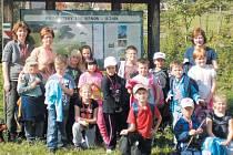 Druháci z krnovské základní školy na Žižkově ulici nedají na lesní pedagogiku dopustit.