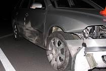 Takto dopadlo auto po srážce s divokým prasetem.