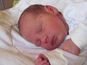 Jmenuji se FRANTIŠEK BENEŠ, narodil jsem se 1. srpna, při narození jsem vážil 2900 gramů a měřil 46 centimetrů. Rodiče se jmenují Martina a František, doma se na mě těší sestřička Terezka. Bydlíme v Městě Albrechticích.