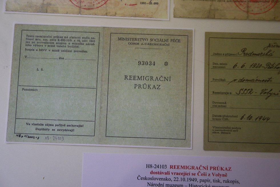 Výstava Návraty volyňských Čechů ve Flemmichově vile.