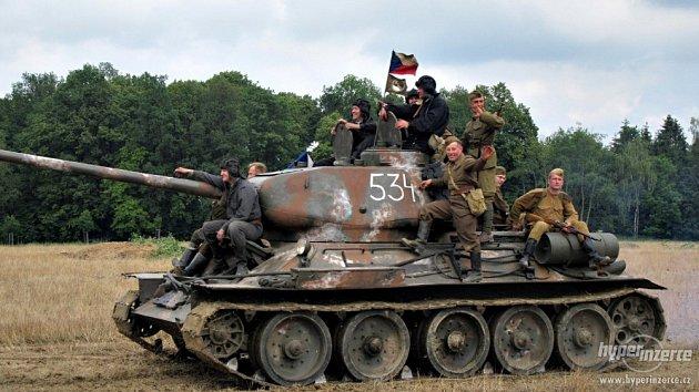 Výročí liptaňské tragédie provází akce sletadlem Jak-3a tankem T-34.