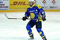 Ján Marienka, rodák z Dubnice a krnovský hokejový obránce.