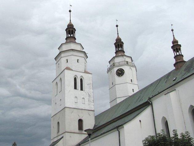 Opravy kostela přijdou asi na deset milionů. Veřejnost se může těšit na zpřístupnění vyhlídkového ochozu jedné z věží.
