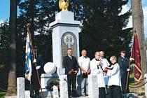 Sobotní slavnostní znovuodhalení pomníku v Dolní Moravici.