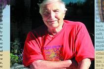 Hogo Langshur v roce 2004.  Narodil se v Krnově 15. prosince 1921, zesnul v Kanadě 9. srpna 2019.