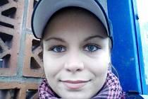 Lucie Kocmanová, 20 let, Bruntál: Ano, lyžuji. S partou kamarádů jezdíme různě po republice i po světě a občas si uděláme i hodně náročnou túru někde na horách.
