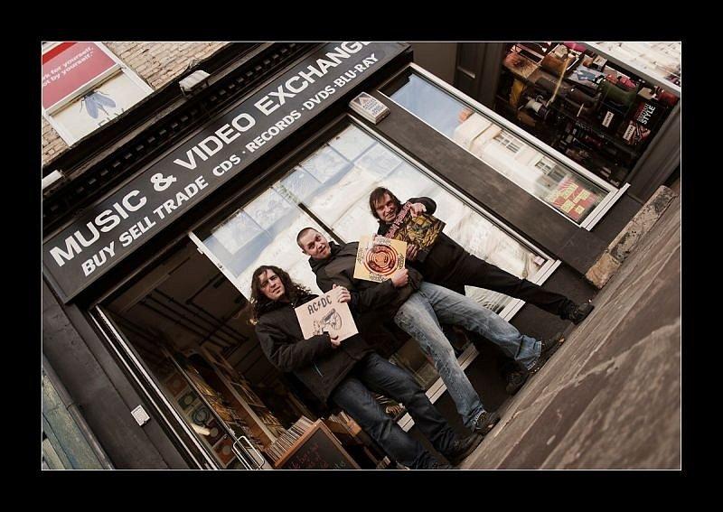 Bruntálský fotograf Libor Kappel vyjel do Londýna, aby tam zachytil vystoupení kapely The Pant z Břidličné. Vyrazil s nimi také na prohlídku londýnských památek.