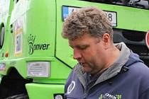 Vloni sedmý, a letos pátý v Rallye Dakar. Největší úspěchy českého amatérského kamionisty jsou o to cennější, že ho v nejnáročnějším závodu světa předjeli pouze profesionální tovární jezdci.