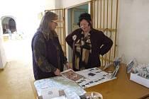 Na zámku ve Slezských Rudolticích se snažili přilákat návštěvníky i na výstavu šperků.