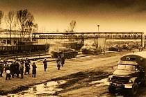 Krnovany v okolí Petrovické ulice probudil 20. srpna kolem 23. hodiny řev polských tanků. Až po Polácích přišli do města Sověti a umístili zde svůj tankový pluk. Jejich odsunu se obyvatelé Krnova dočkali až v roce 1990.