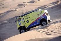 Martin Kolomý z Bruntálu spolu s osádkou žluté Tatry se soutěžním číslem 545 jsou jedinými kamionisty Czech Dakar Teamu, kteří ještě pokračují v letošní Rallye Dakar 2010.