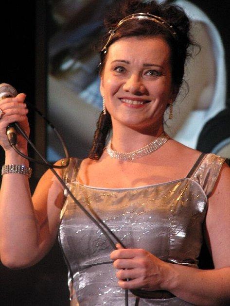 Sólistka operního souboru Katarína Jorda Kramolišová by měla také zazpívat.