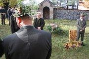 Myslivci z Třemešné oslavili svátek svého patrona svatého Huberta slavnostní mší plnou pradávných rituálů.