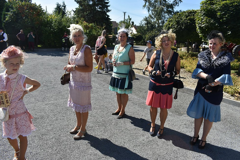 Přehlídka aut veteránů Trofeo Niké v pátek  9. září 2021 potěšila občany ve Městě Albrechticích a ve Slezských Rudolticích.