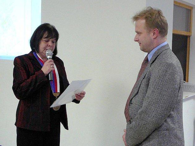 Jaromír Foltýn s krnovskou starostkou Renatou Ramazanovou.