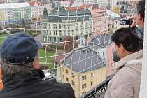 Věž kostela sv. Martina láká návštěvníky k prohlídce.