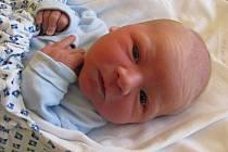 MARTIN PŘASLIČÁK, se narodil 1.listopadu 2011, vážil 3600 gramů a měřil 51 centimetrů, maminkou je Petra Přasličáková, tatínkem je Tomáš Přasličák, Krnov