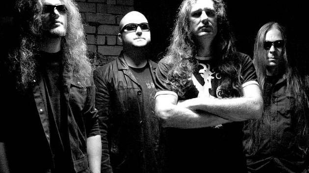 Hypnos. Renomovaná deathmetalová kapela ve složení Vlasa a Igorr, zpěvák Bruno a bubeník Pegas (zleva).