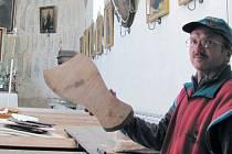 Dubnický kostel na podzim hostil účastníky řezbářského workshopu, kteří se rozhodli vyrobit hudební nástroj kantelu. Příznivci varhanní hudby se zde sejdou 1. února.