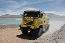 Po čtvrté etapě pokračují na Rallye Dakar 2010 jezdci kamionů Marek Spáčil z Huzové a Martin Kolomý s Bruntálu se svými posádkami.