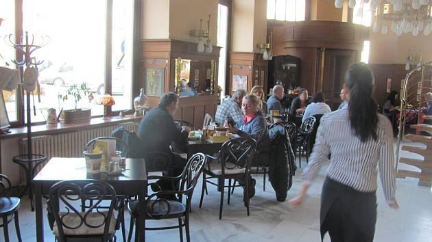 Radniční restaurant v Krnově.