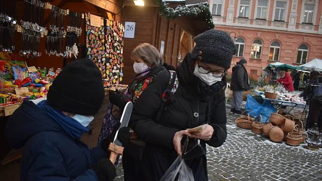 Krnov, adventní trhy, 11. prosince 2020.