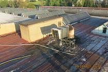 Výrobní hala v Břidličné po požáru, 1. června 2021.