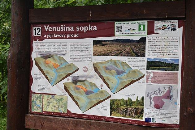 Červenec 2021: Cesta zMeziny na vrchol Venušiny sopky.