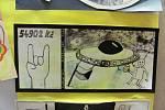 Návštěvníci krnovského kina Mír si mohou od středy prohlédnout, jaké bankovky a mince navrhli výtvarníci z krnovského gymnázia a pedagogické školy.
