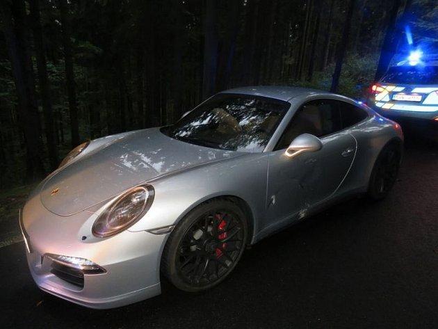 Vzhledem kcenám automobilů Porsche vznikla při této dopravní nehodě celková škoda ve výši 4,8milionu korun.
