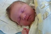MAREK ČARNECKÝ se narodil 7.června 2012 v 19:05, při narození vážil 3995 gramů a měřil 51 centimetrů, maminkou se stala Romana Čarnecká a tatínkem se stal Martin Čarnecký, Krnov
