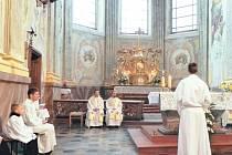 Kostel Narození Panny Marie ve Štursově ulici v Krnově byl od ničivých povodní v roce 1997 uzavřen. Pouze výjimečně zde proběhly mše svaté nebo bohoslužba v kapli. Nyní došlo k ukončení restaurátorských prací a minulou sobotu proběhla první poutní mše.