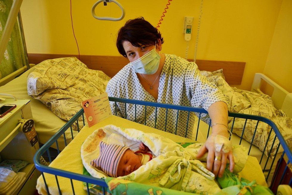 Laura se narodila mamince Petře Liškové v krnovské porodnici před štědrovečerní půlnocí.