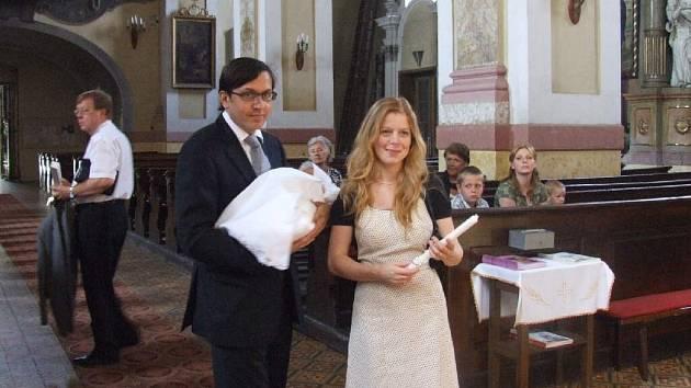 Monika Zoubková při křtu dcery, který proběhl v Krnově.