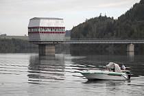 Bezpečnostní akce na Slezské Hartě se konala za přítomnosti rybářské stráže.
