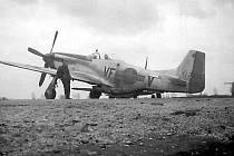 Takto vypadal Mustang sestřelený někde nad Horními Povelicemi. Bohužel žádná fotografie s imatrikulací poručíka Floyda se nedochovala.