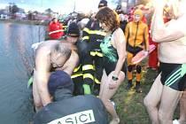 Otužilci si letos opět zaplavou v Kobylím rybníce na desátém ročníku akce Bruntálský krystalek.