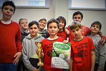 Mladí florbalisté Olympie na ligovém turnaji v Opavě neprohráli, ale kvůli horšímu skóre brali stříbrnou pozici.