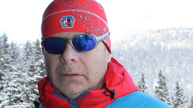 Jaroslav Tejnský v Jeseníkách vyrůstal od dvou a půl let, jednu dobu jeho rodina žila dokonce přímo na meteorologické stanici na Pradědu.