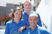 Čeští reprezentanti Silva Rybářová (vlevo), Libor Smolka (nahoře) a reprezentační trenér Rosťa Vítek (vpravo).