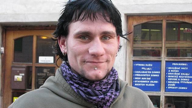 Marek Přikryl, 26 let, Rýmařov: Já se těším na pořádnej sníh, až vezmu snowboard a někam vyrazím.