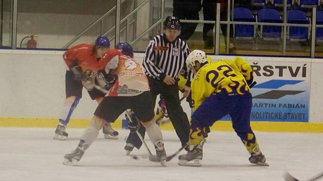 Hokejisté Krnova B zahájili úspěšně svou pouť v novém ročníku okresního přeboru. Soutěž hraje celkem deset mužstev.