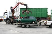 Boj s autovraky začal v Krnově tím, že majitelé starých aut dostali možnost své ojetiny bezplatně a ekologicky zlikvidovat. Pak už následovalo mapování podezřelých aut, se kterými se dlouho nejezdilo, nebo jim dokonce chyběla SPZ nebo STK