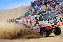 Martina Kolomého hned po startu letošního Dakaru čekaly náročné písečné duny v Peru.