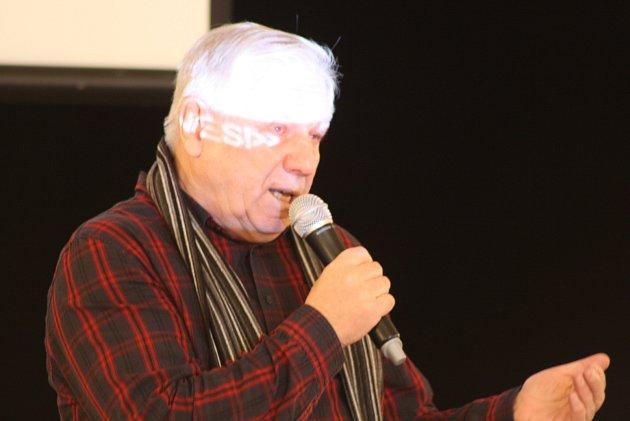 Stanislav Motl představil vKrnově téma Němci proti Hitlerovi.