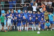 Krnovští fotbalisté se svými fanoušky