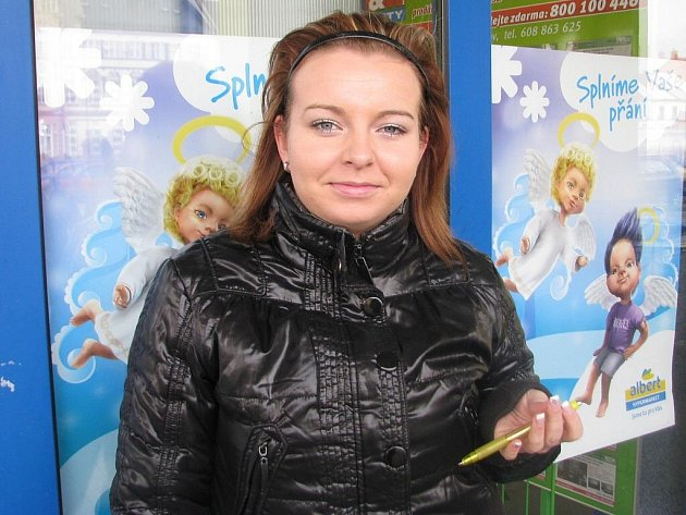 Sandra Nytrová, 18 let, Úvalno: Ne. Teda, alespoň jsem to na sobě nezpozorovala. Mám vždy dobrou náladu.