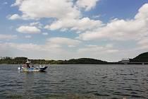 Na Slezskou Hartu společně vyrazili policisté, rybářská stráží a Státní plavební správa Přerov.